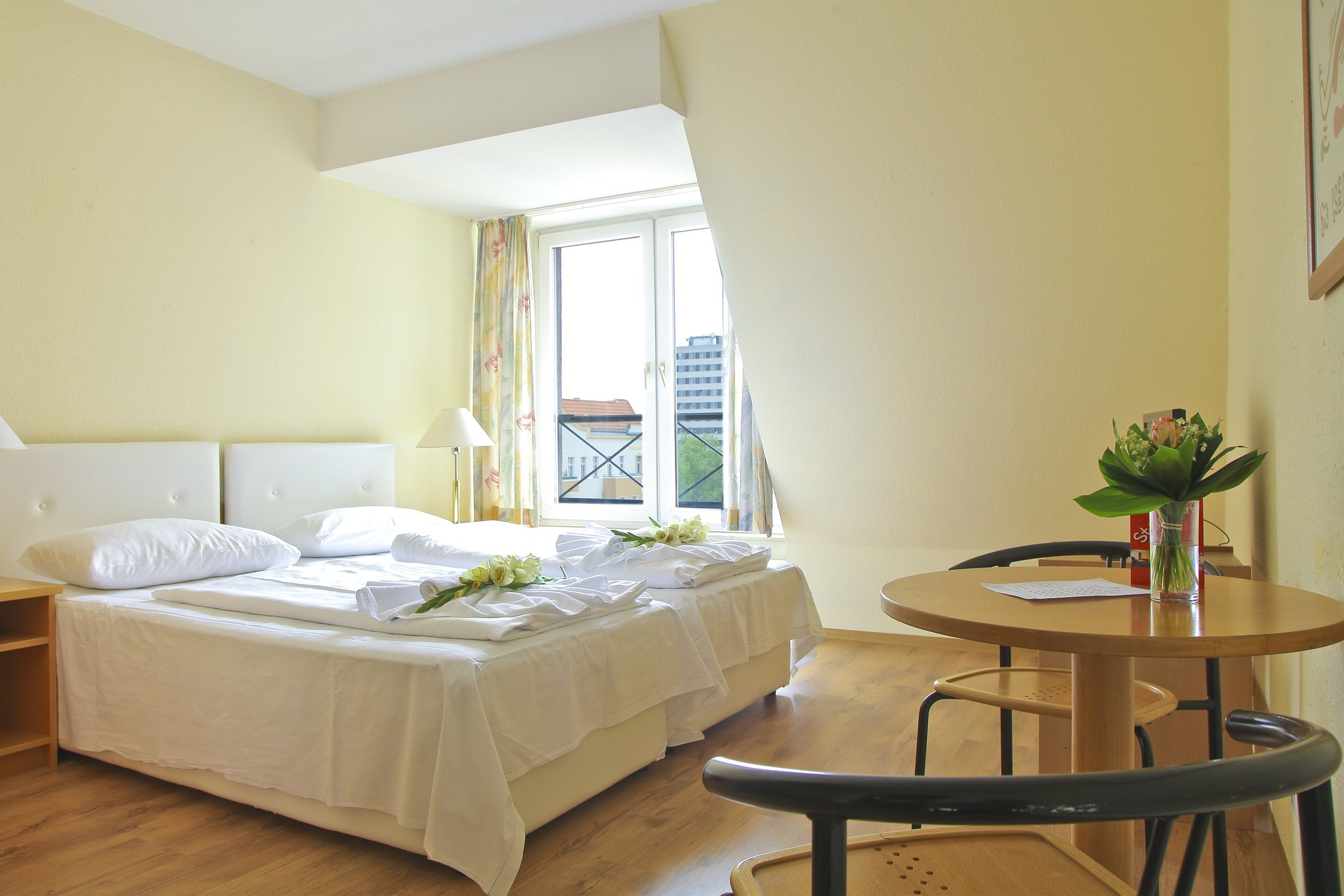 hotel-939501_1920
